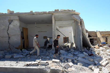 2017-04-05t130308z_1490335669_rc125ca45a60_rtrmadp_3_mideast-crisis-syria-attack-b
